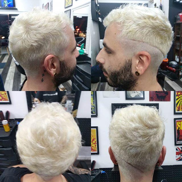 Diego pediu cabelo loiro, resultado mara por @renatagarage60s #garage60s #blondeman #descoloracaoglobal #lourosaudavel #cabelodescolorido Nosso agendamento é online garage60s.com