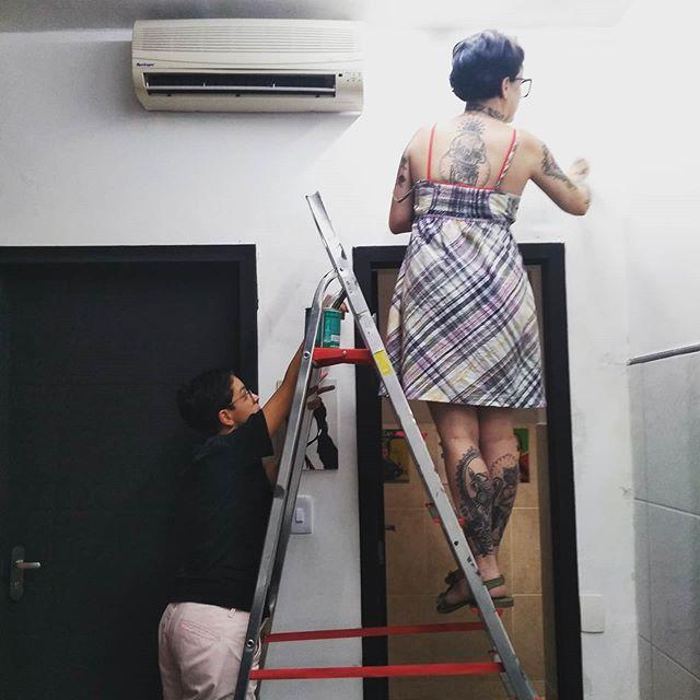 A gente ama muito cuidar dessa casinha 🖤 com @barba_rakoch #garage60s #cuidandodacasa Nosso agendamento é online garage60s.com