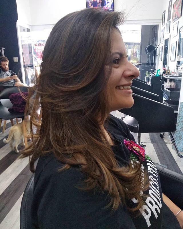 Ombrê sem descoloração,, resultado em cabelos naturais fica incrível,e discreto #ombrehair #ombresemdescolorante #morenailuminada #garage60s Nosso agendamento é online garage60s.com